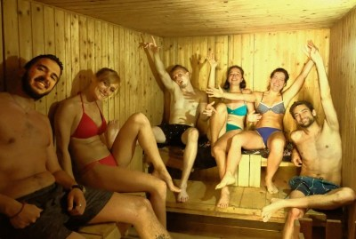 WIKI HOSTEL SAUNA PARTY friendly backpackers