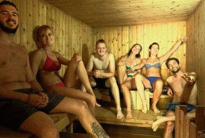 WIKI HOSTEL SAUNA PARTY friendly travellers