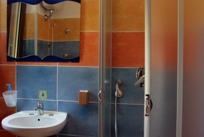 WIKI HOSTEL bathroom double private