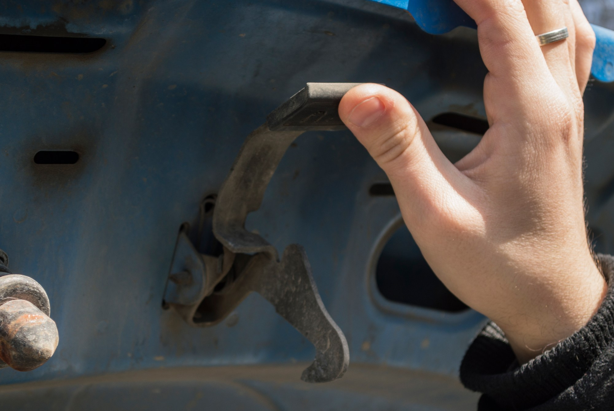 hight resolution of 1997 chevy blazer rear hatch lock will not open back diagram
