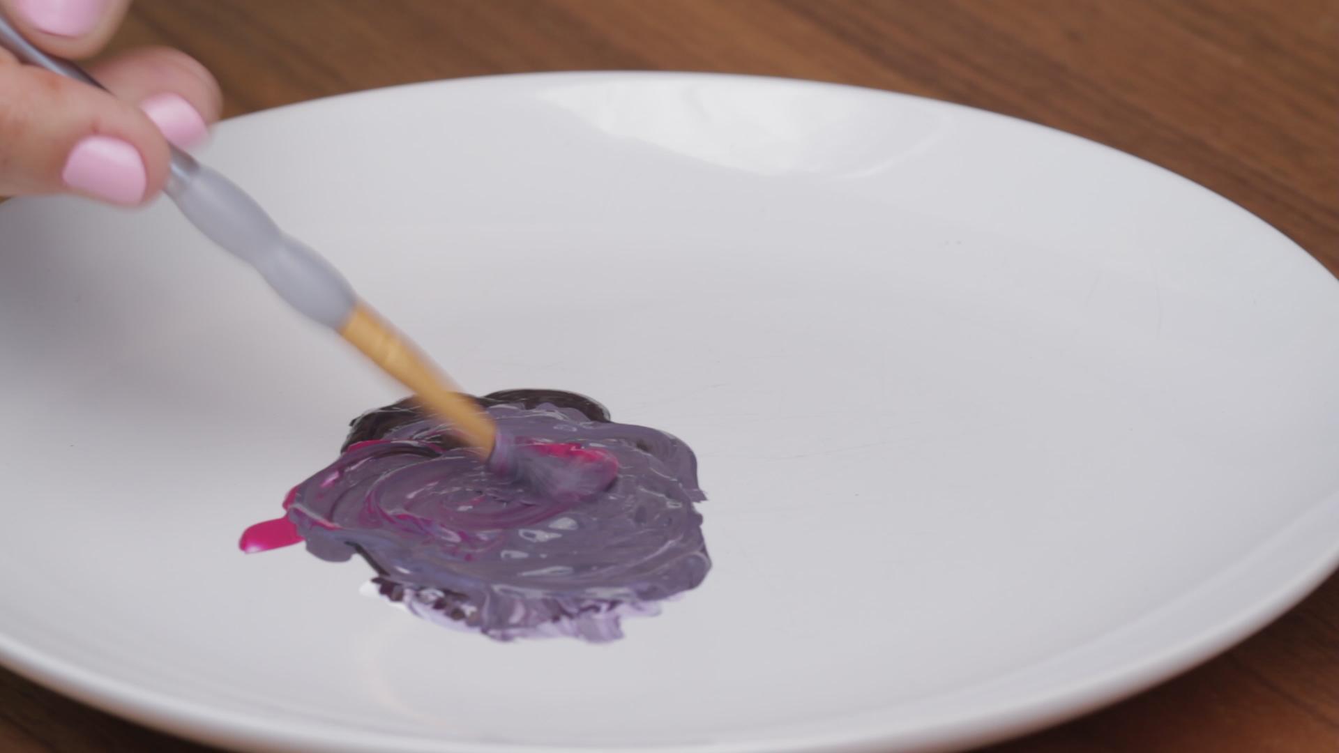 3 Ways to Make Purple Paint