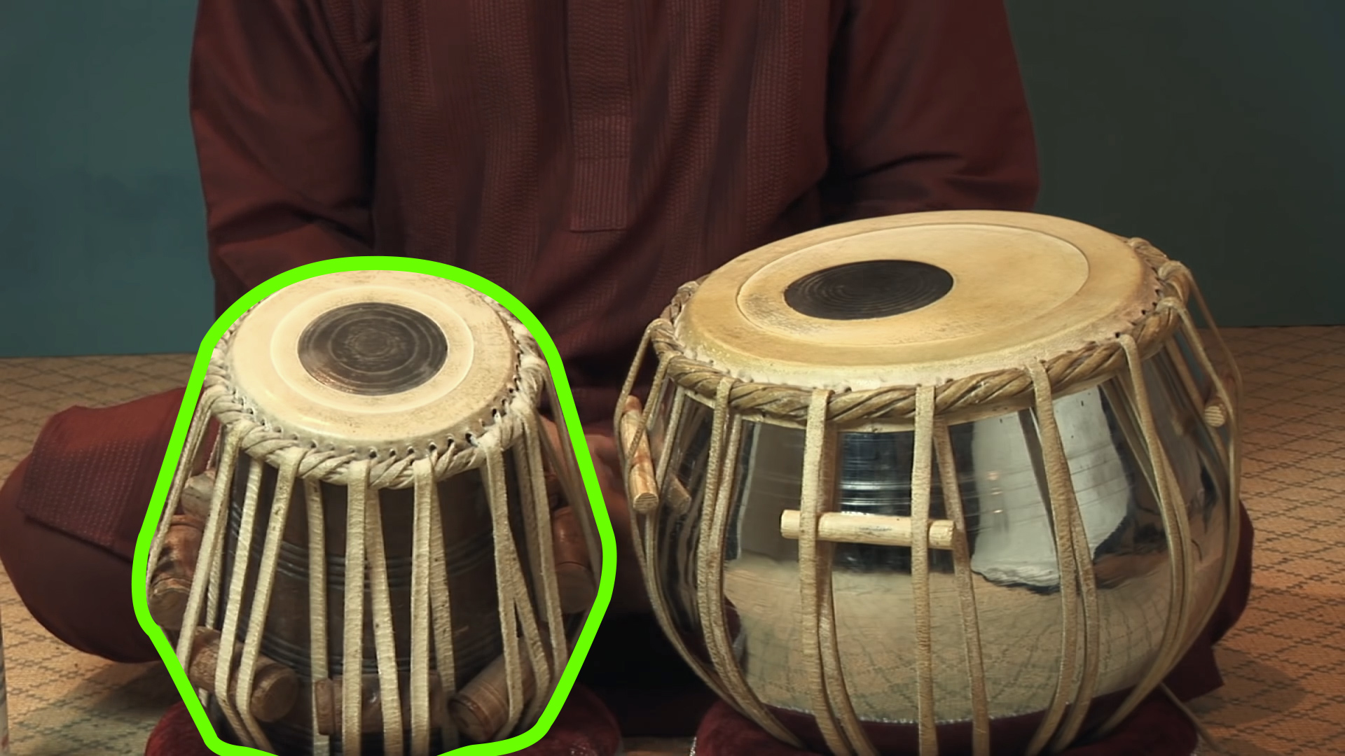 hight resolution of how to play tabla