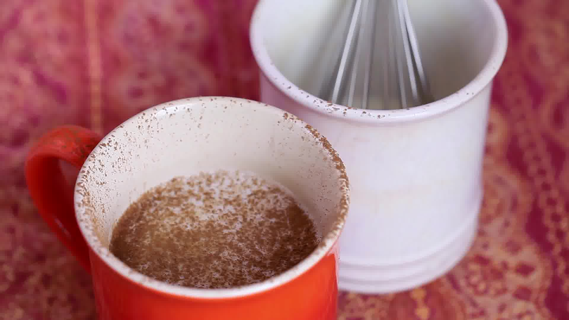 How to Froth Milk for Cappuccino Without Fancy Tools: 12 Steps