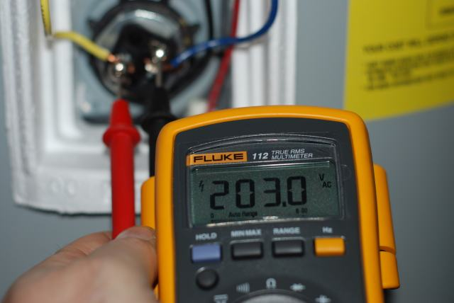 How to Repair an Electric Water Heater - wikiHow