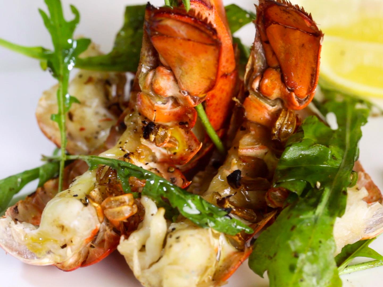 3 manires de faire cuire des queues de homard
