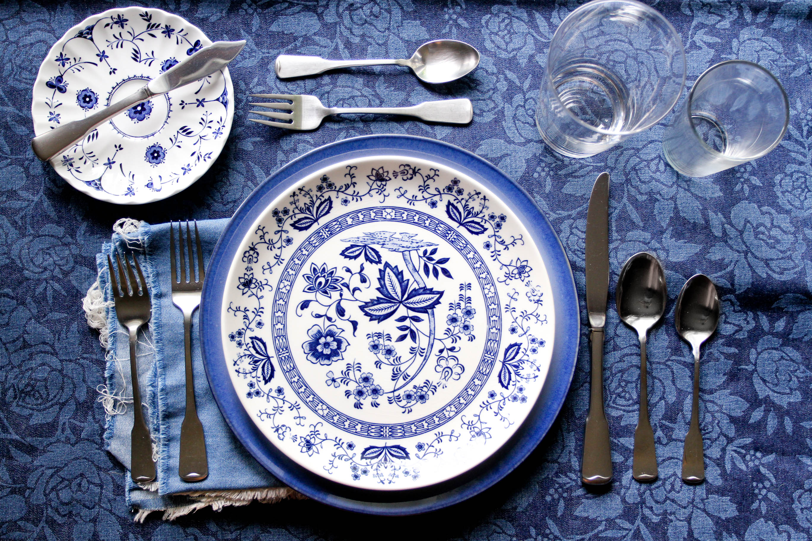 How to Set a Table to Impress Guests 9 Steps with Pictures