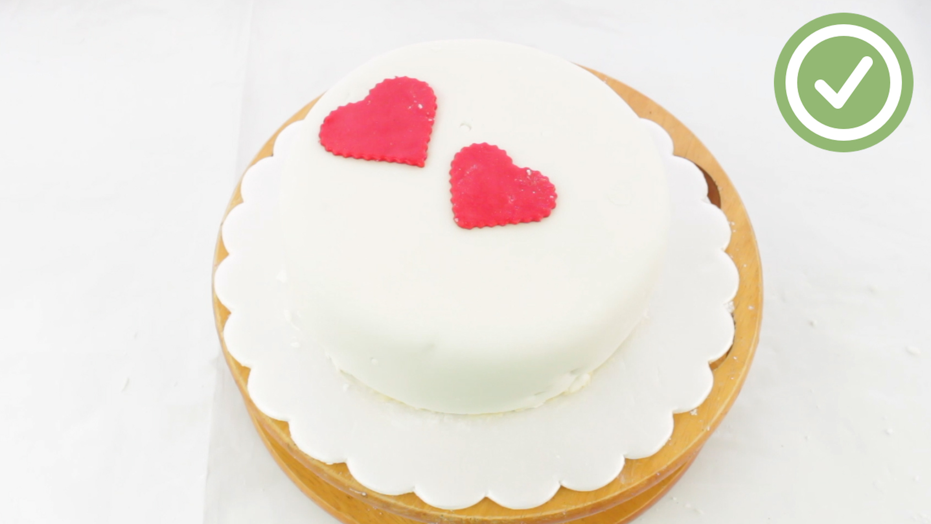 The Simplest Way To Fondant A Cake Wikihow
