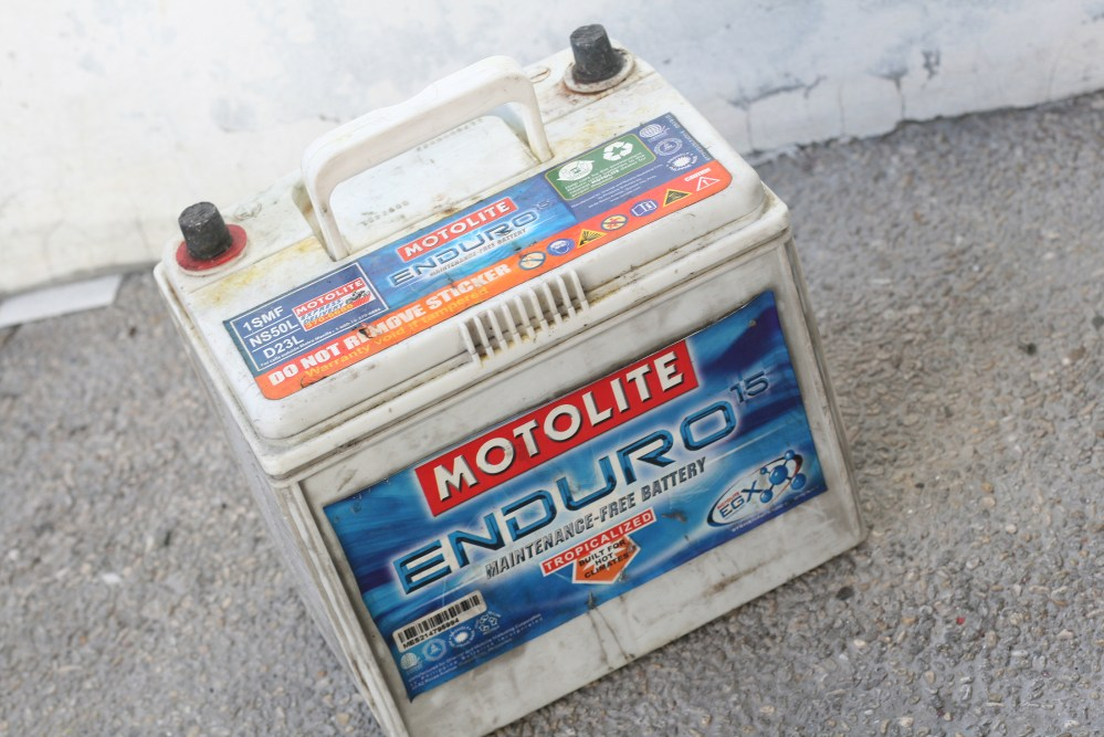 medium resolution of how to change a car battery