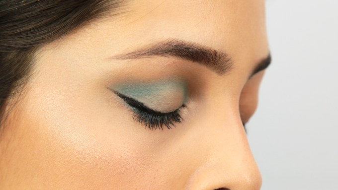 how to apply blue eyeshadow: 12 steps (with pictures) - wikihow