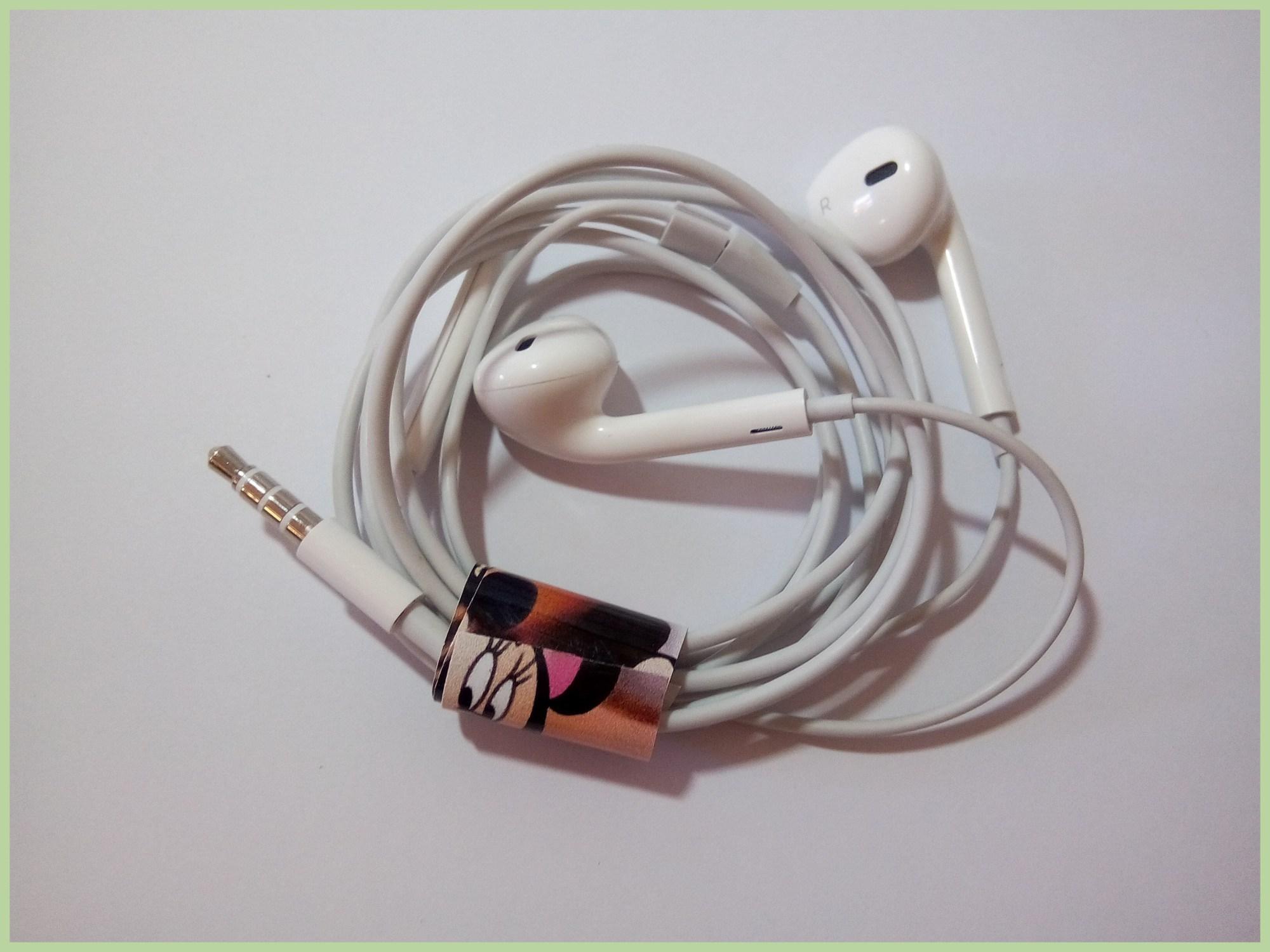 hight resolution of headphone wire spiral