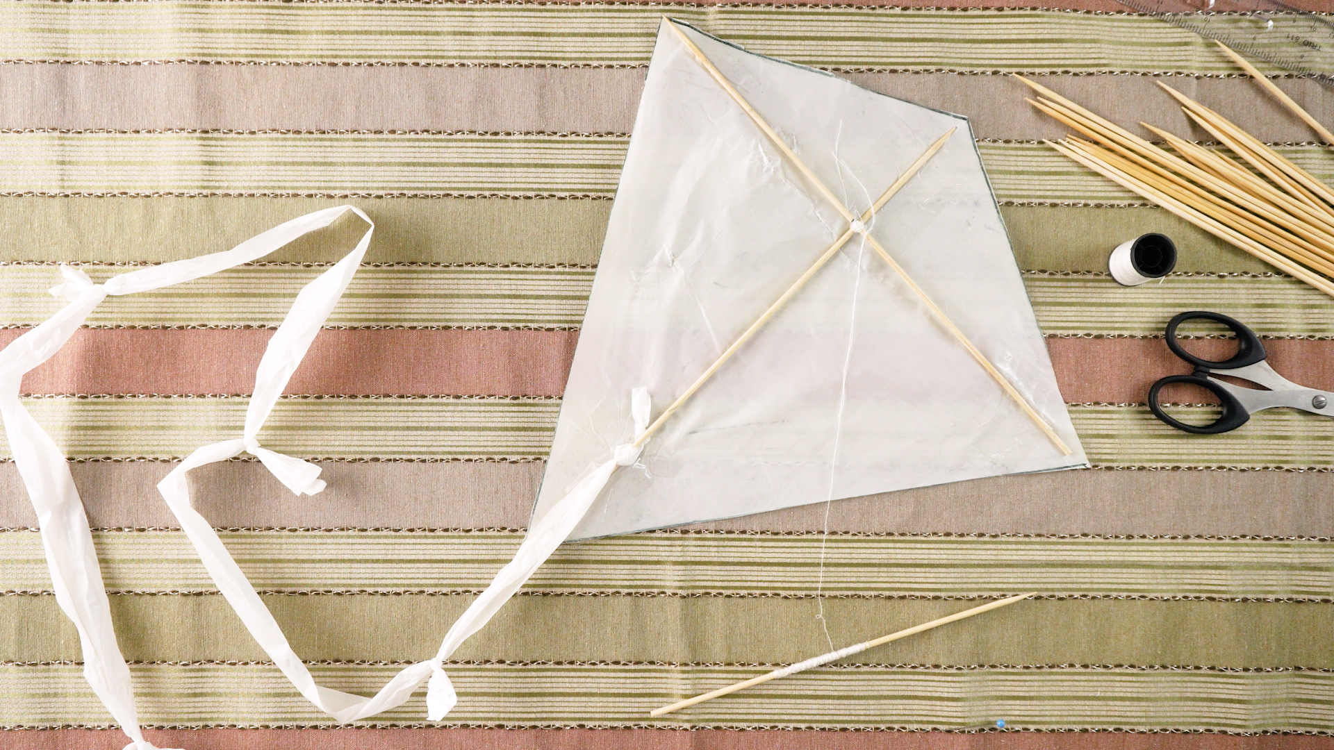 How To Make A Kite Out Of A Plastic Bag 9 Steps With