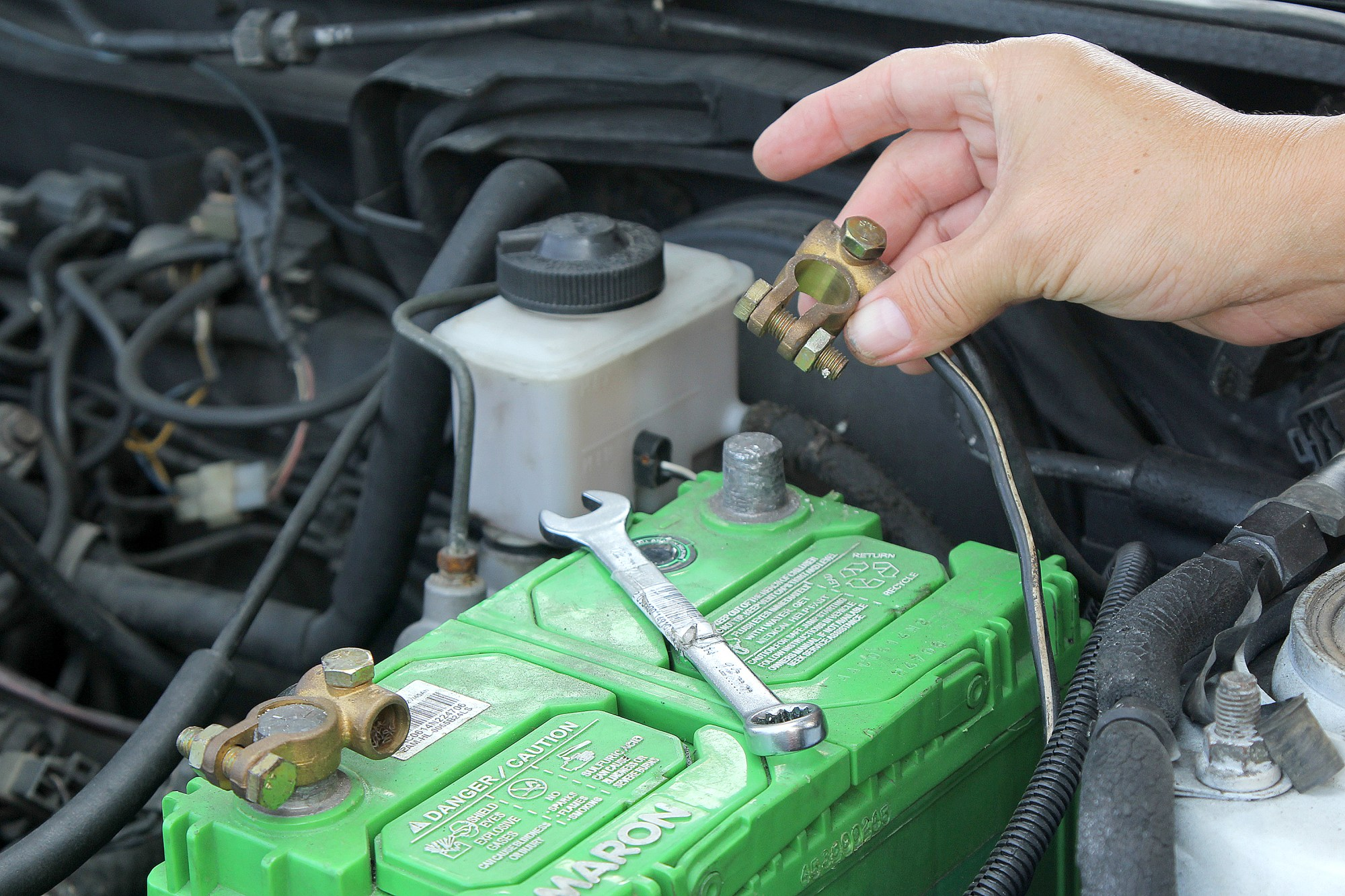 hight resolution of  how to change an alternator with pictures wikihow ford alternator wiring schematic ford probe
