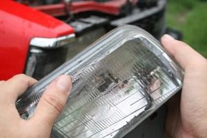 Cómo reparar las luces bajas de tu vehículo: 4 pasos