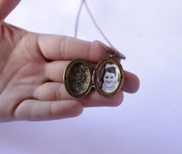 Ways To Put A Picture In A Locket Wikihow