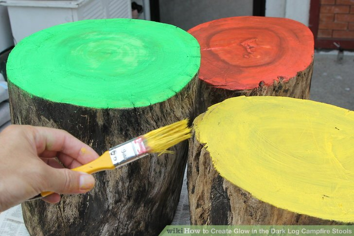 Evaluate the paint job to see if the stool is adequately covered.