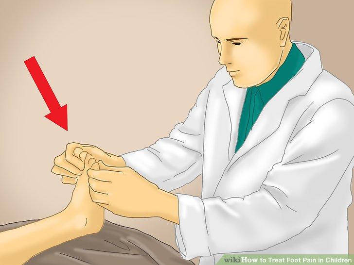 Erlauben Sie dem Fußpfleger, die Füße Ihres Kindes zu untersuchen.