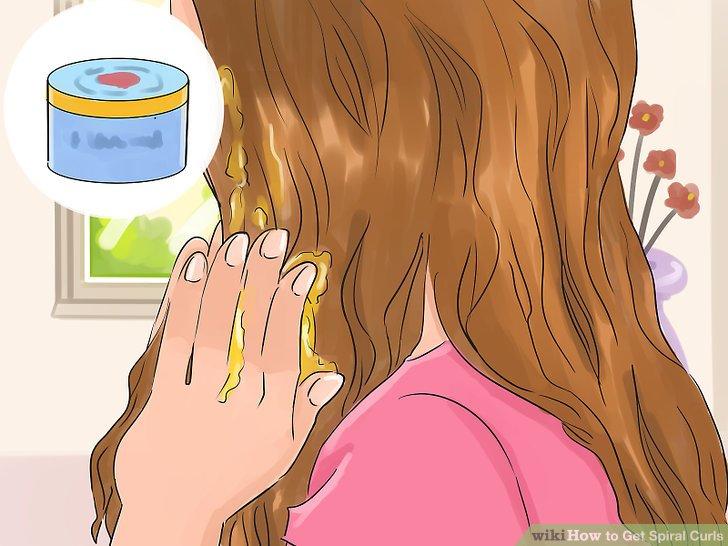 Biraz pomad veya şekillendirici balmumu uygulayın.