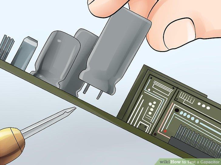 Trennen Sie den Kondensator von seinem Stromkreis.