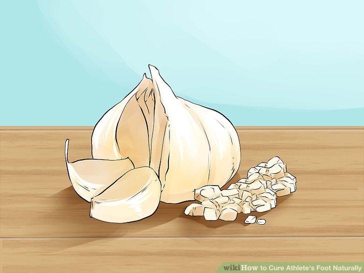 Chop 3 to 4 cloves of garlic.