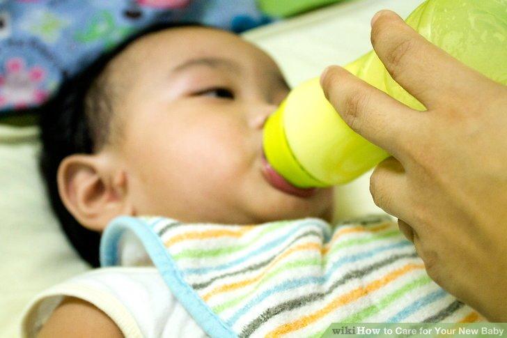 Seien Sie sich bewusst, was Ihr Baby füttern soll.