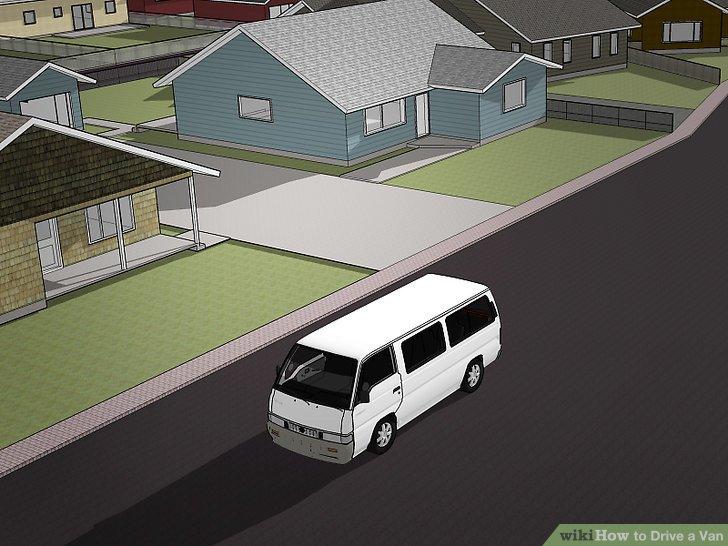 Fahren Sie den Van auf leeren Parkplätzen und in kleinen Straßen.