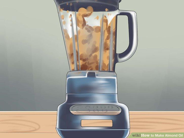 Mischen Sie die Mandeln mit höherer Geschwindigkeit.