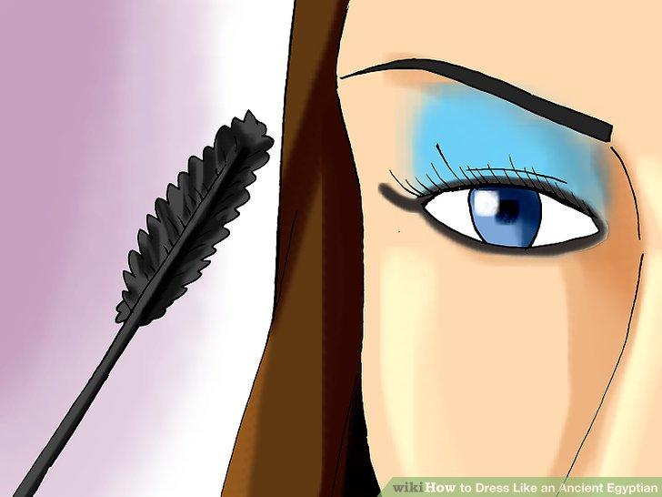Kaşları kaş kalemi ile karalayın.