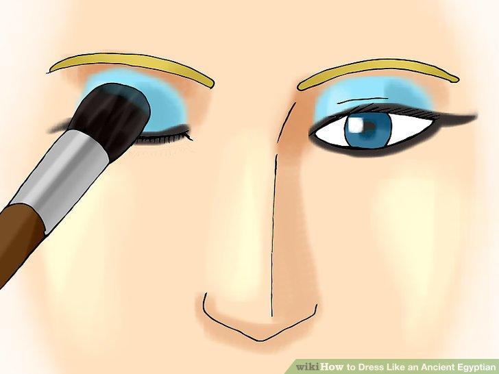 Göz kapaklarını göz farı ile doldurun.