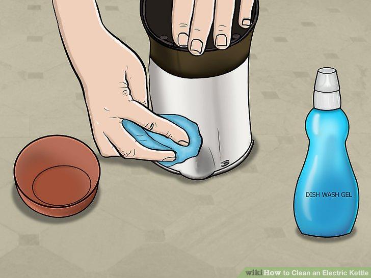 Reinigen Sie die Außenseite mit Spülmittel.