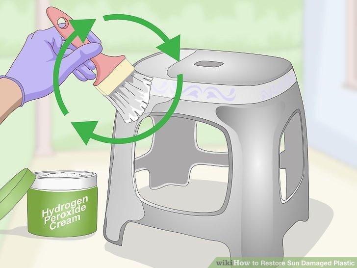 Wiederholen Sie die Reinigung nach Bedarf, um den Kunststoff wiederherzustellen.