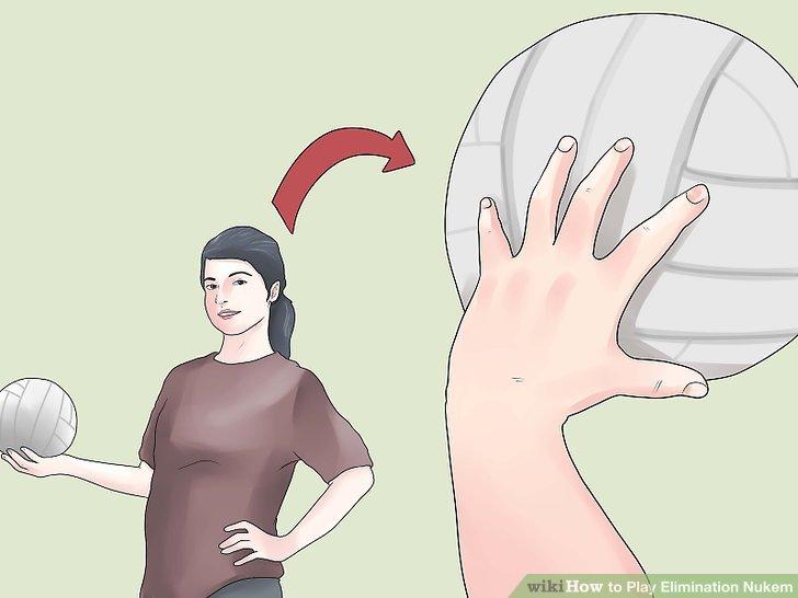Um wieder jemanden in Ihrem Team zu erreichen, muss der Ball mit einer Hand gefangen werden.