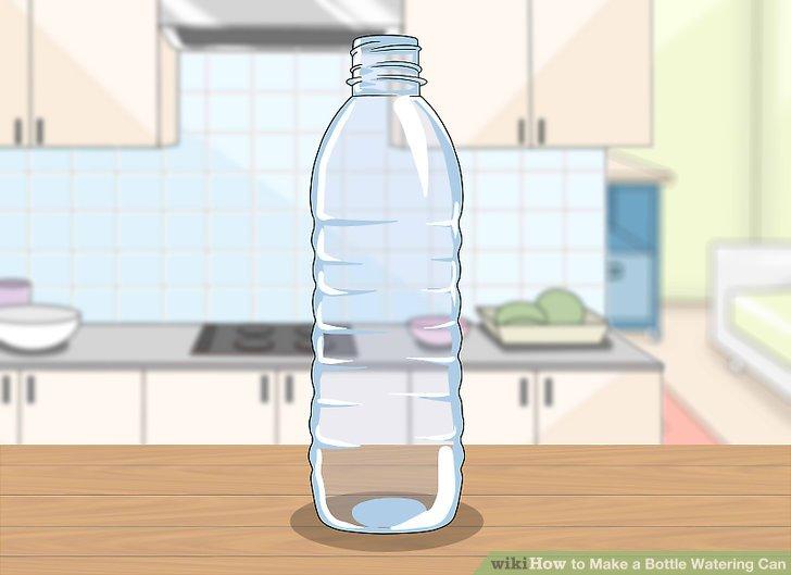 Suchen Sie eine Plastikflasche zum Entfernen und entfernen Sie das Etikett.