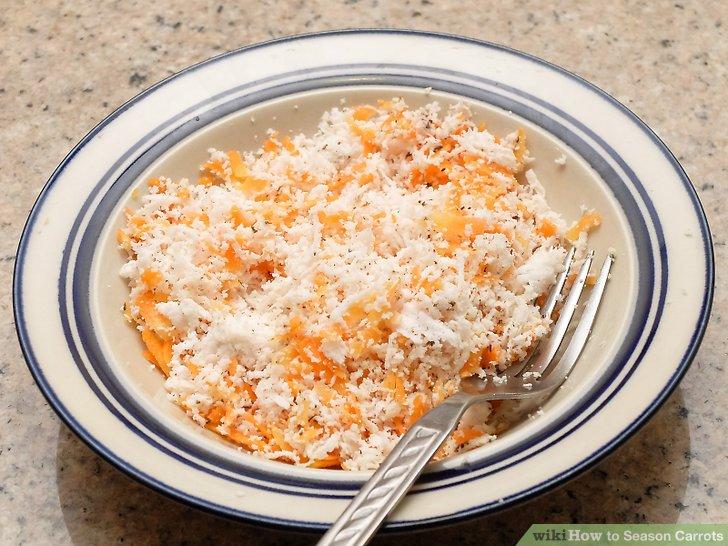 Geriebene Karotte mit geriebener Kokosnuss vermischen.