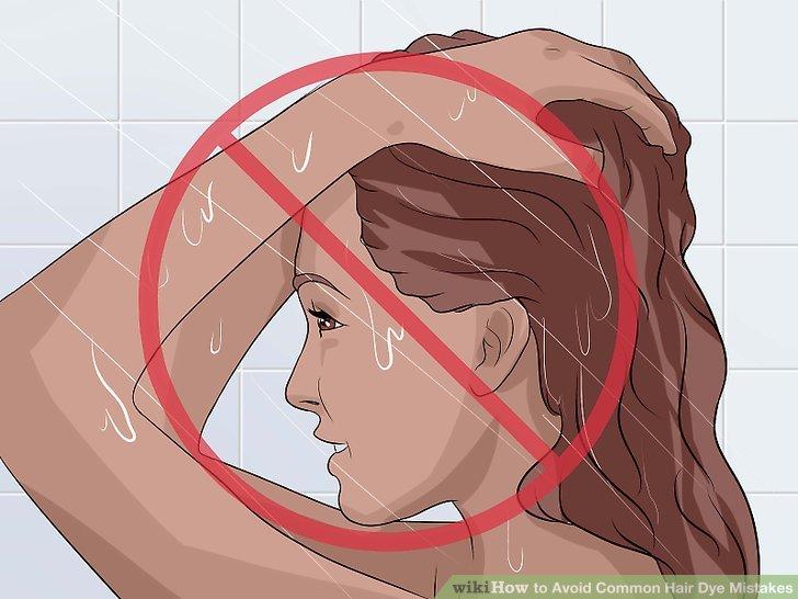 Waschen Sie Ihre Haare vor dem Färben.