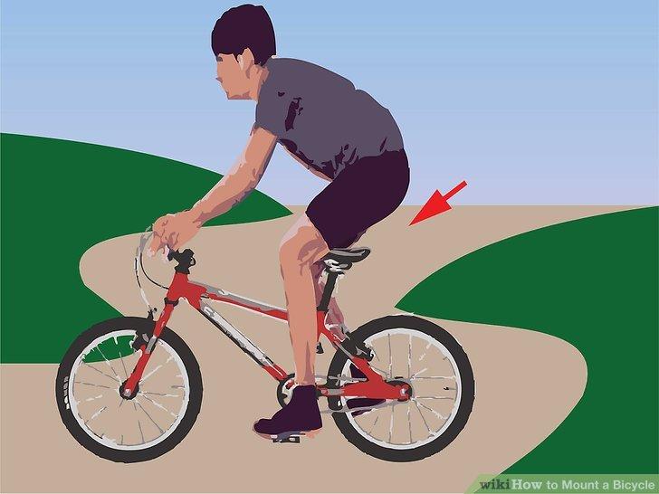 Drücken Sie mit dem Fuß auf das Pedal und stellen Sie sich gleichzeitig auf.