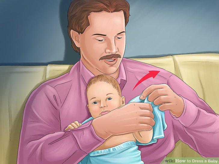 Unterstützen Sie Ihr Baby beim Ankleiden.