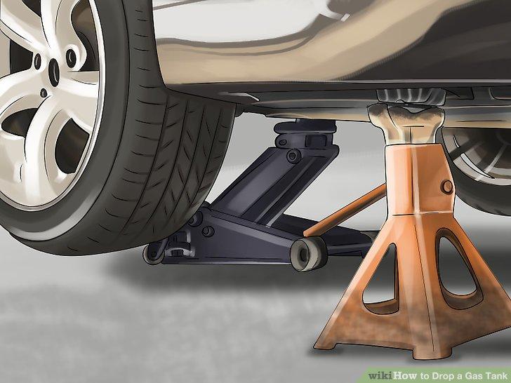 Heben Sie Ihr Fahrzeug mit einem Hebezeug oder Wagenheber an.
