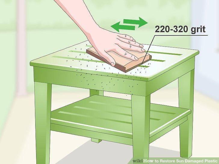 Schmirgeln Sie den Bereich mit 220 bis 320 Schleifpapier.