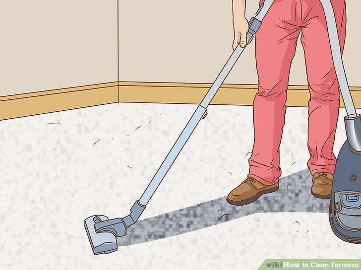 Ziehen Sie den Dampfreiniger langsam über den Boden.