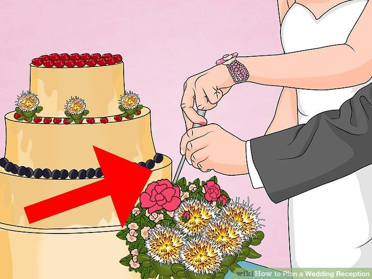 Wählen Sie aus, wo die Hochzeitstorte während des Empfangs platziert wird.