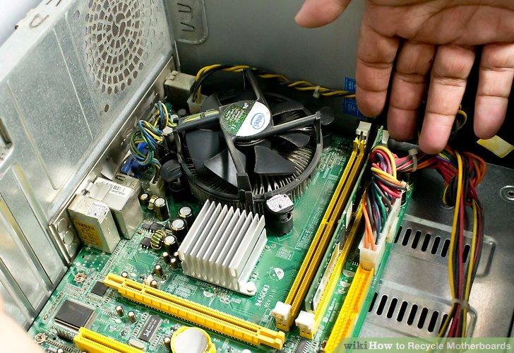 Bringen Sie Ihr Motherboard zu einem Computer-Refurbisher.