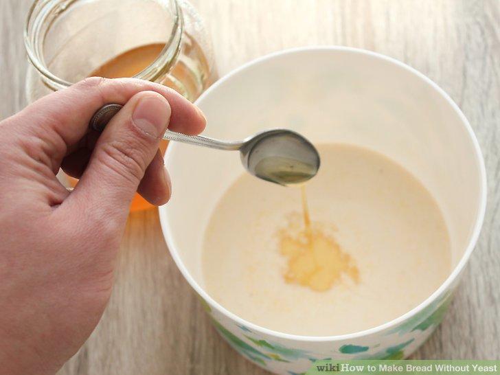 Wasser, Öl, Honig, Ei und Salz mischen.