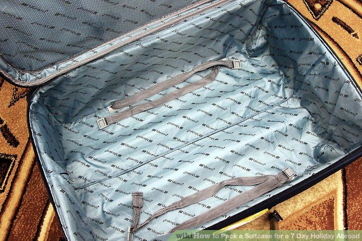 Öffnen Sie Ihren Koffer, sodass jeder Packraum sichtbar ist.