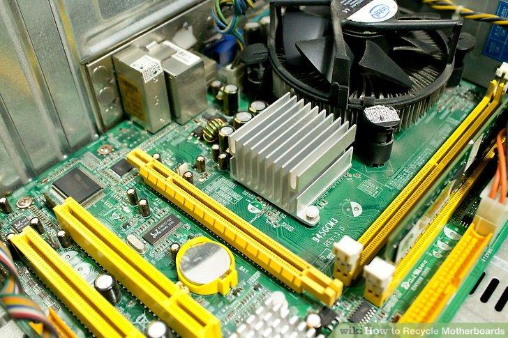 Bringen Sie Ihre Motherboards zu einer großen Einzelhandelskette, die sich auf Computer und Elektronik spezialisiert hat.