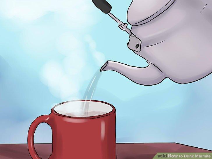Gießen Sie das kochende Wasser in den Becher.