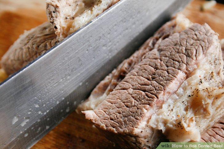 Schneiden Sie quer durch das Getreide und schneiden Sie das Fleisch in 1 Zoll dicke Stücke.