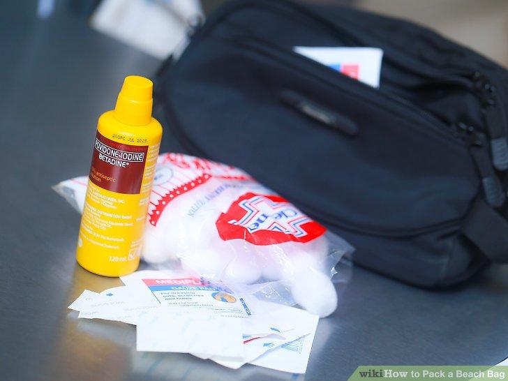 Packen Sie ein grundlegendes Erste-Hilfe-Set ein.