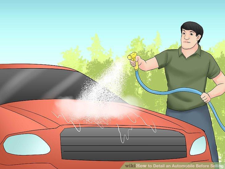 Spülen Sie das Auto mit klarem Wasser ab.