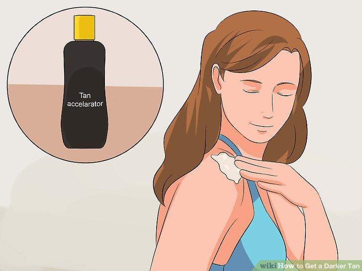 Tragen Sie einen Bräunungsbeschleuniger auf Ihre Haut auf.