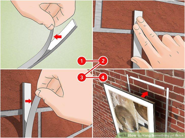 Bringen Sie doppelseitige Klebebandstücke an der Wand an.